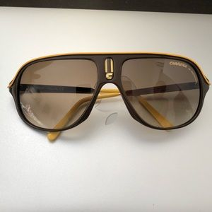 Carrera Vintage Aviators in Gold Trim